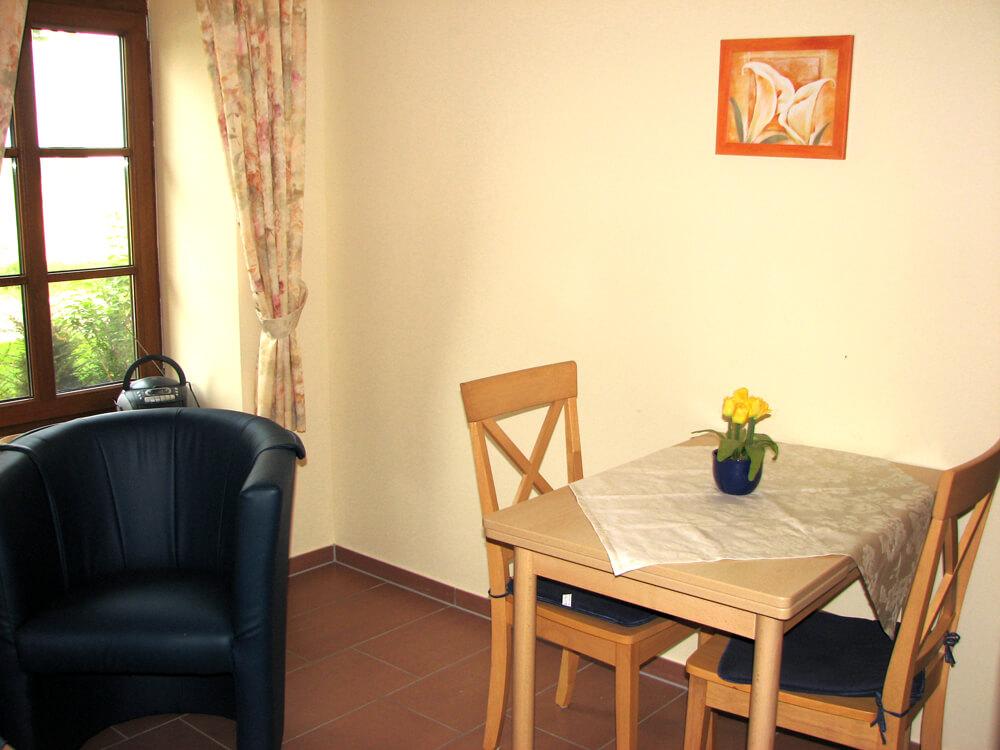ferienwohnung f r 2 personen monteurzimmer geeignet. Black Bedroom Furniture Sets. Home Design Ideas